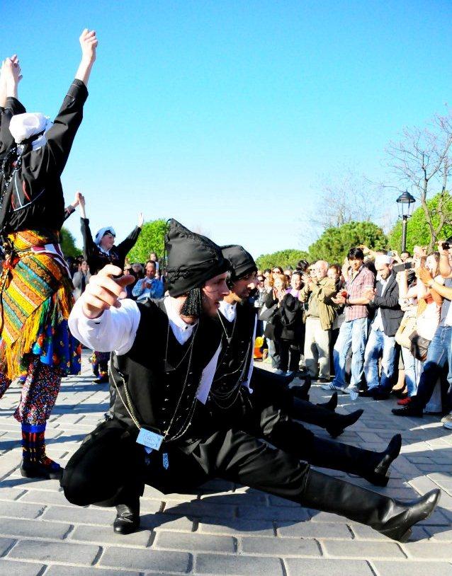 nederlanders-dansen-horon